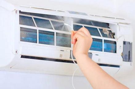 在长时间未使用前要先清洁空调 可以有效防止细菌传播